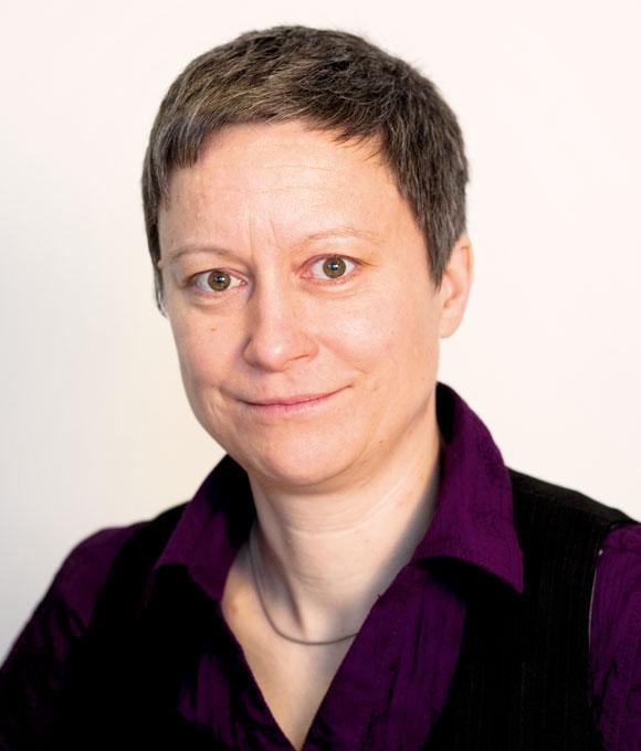 Porträt Rechtsanwältin und Rentenexpertin Nadja Kirschner